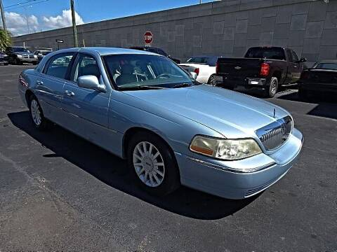 2006 Lincoln Town Car for sale at DONNY MILLS AUTO SALES in Largo FL