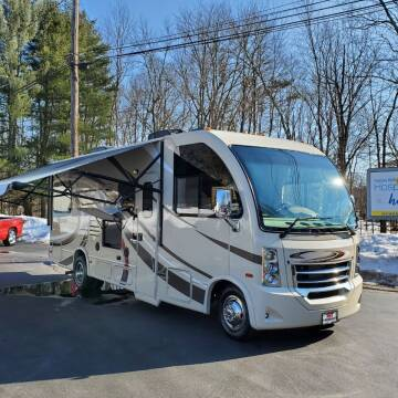 2017 Thor Industries Vegas Series M-25.2 for sale at R & R AUTO SALES in Poughkeepsie NY