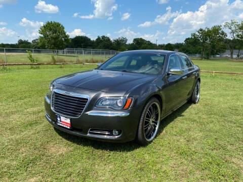 2014 Chrysler 300 for sale at LA PULGA DE AUTOS in Dallas TX