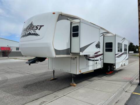 2005 Keystone Everest  for sale at ALOTTA AUTO in Rexburg ID