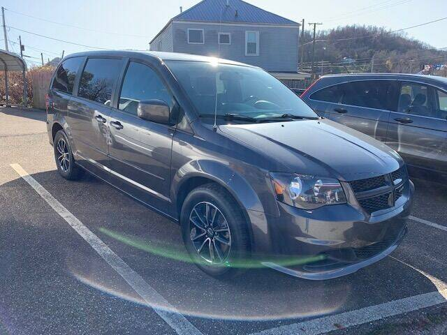 2016 Dodge Grand Caravan for sale at Edens Auto Ranch in Bellaire OH