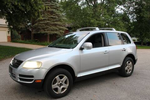 2006 Volkswagen Touareg for sale at Rochester Auto Mall in Rochester MN