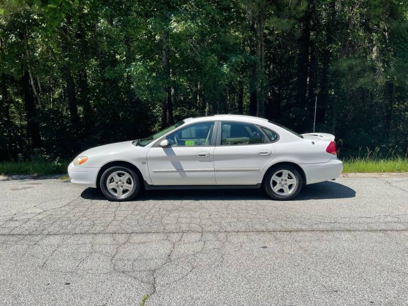 2000 Ford Taurus for sale at MATRIXX AUTO GROUP in Union City GA