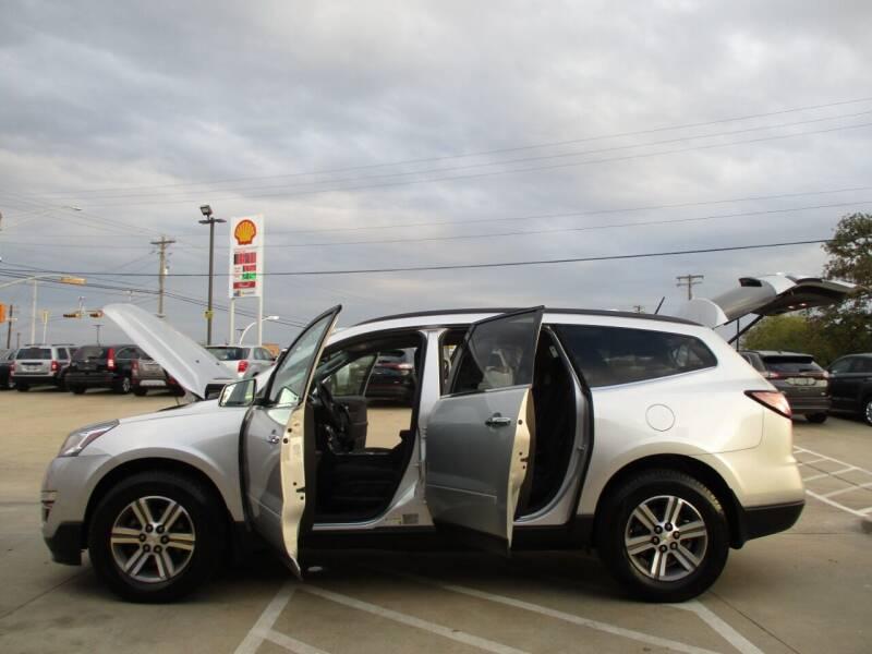 2016 Chevrolet Traverse LT 4dr SUV w/2LT - Bryan TX
