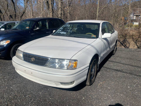 1998 Toyota Avalon for sale at LONGWOOD MOTORS in Stockholm NJ