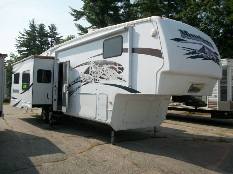 2009 Keystone Montana 3400RL for sale at Olde Bay RV in Rochester NH