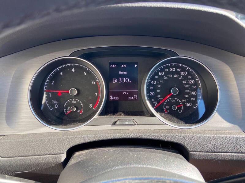 2017 Volkswagen Golf 1.8T SE 4dr Hatchback - Coventry CT