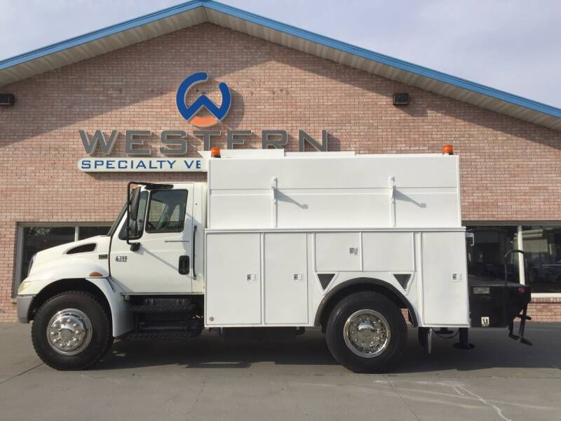 2003 International 4300 for sale at Western Specialty Vehicle Sales in Braidwood IL