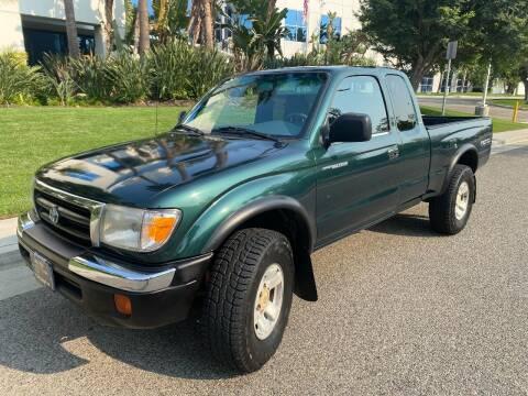 2000 Toyota Tacoma for sale at Donada  Group Inc in Arleta CA