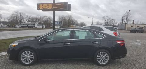 2015 Toyota Avalon for sale at MIKE'S CYCLE & AUTO in Connersville IN