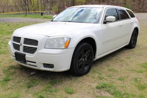 2007 Dodge Magnum for sale at Peekskill Auto Sales Inc in Peekskill NY