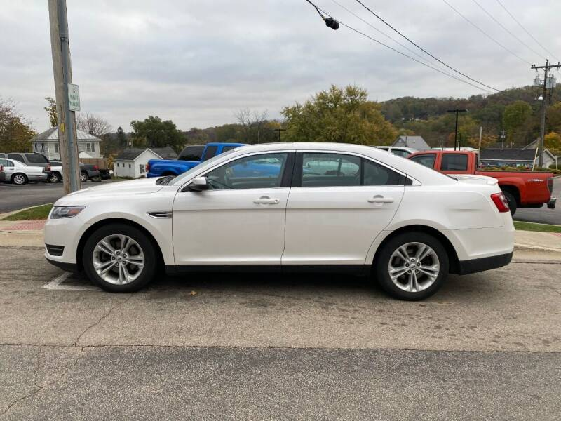 2017 Ford Taurus for sale at Elizabeth Garage Inc in Elizabeth IL