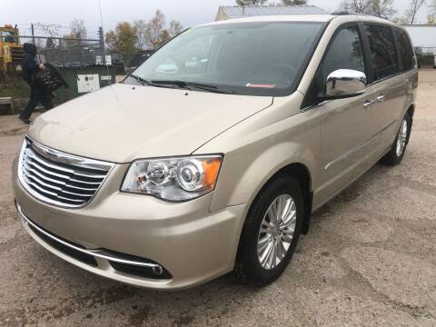 2015 Chrysler Town and Country for sale at SUNSET CURVE AUTO PARTS INC in Weyauwega WI