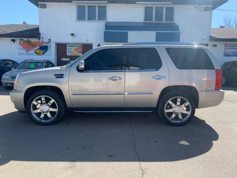 2008 Cadillac Escalade for sale at Twin City Motors in Grand Forks ND
