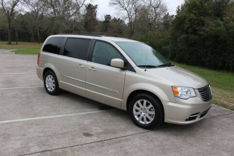 2016 Chrysler Town and Country for sale at Clear Lake Auto World in League City TX