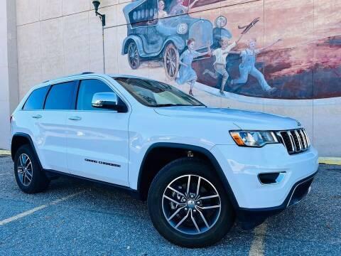 2018 Jeep Grand Cherokee for sale at Island Auto in Grand Island NE