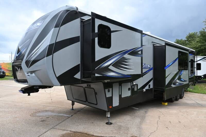 2017 Keystone Fuzion 414 for sale at Thurston Auto and RV Sales in Clermont FL