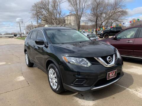 2016 Nissan Rogue for sale at A & J AUTO SALES in Eagle Grove IA
