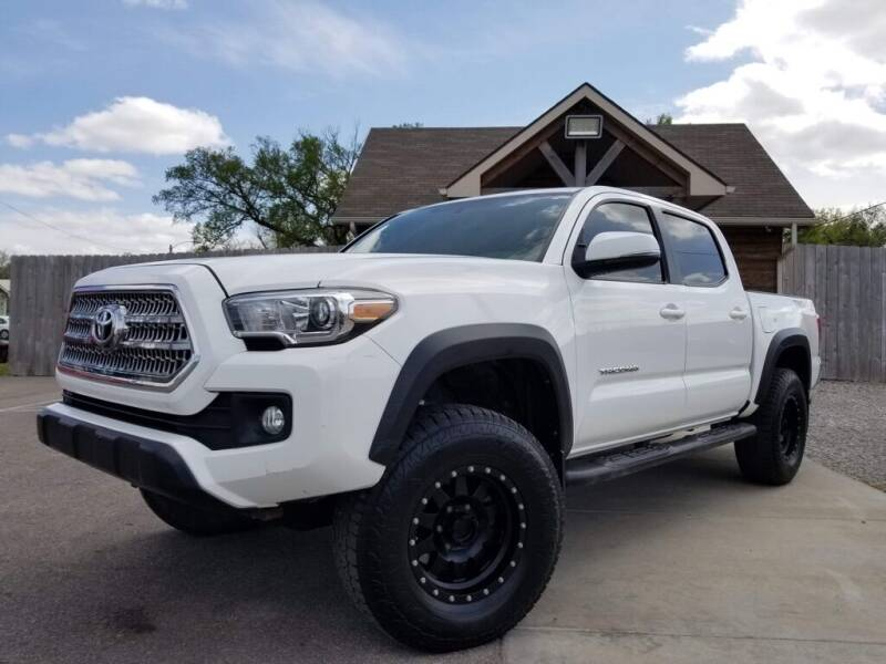 2016 Toyota Tacoma for sale at Farha Used Cars in Wichita KS