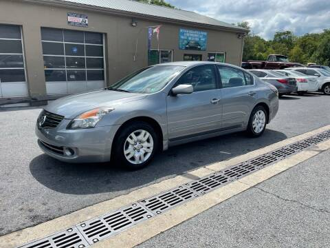 2009 Nissan Altima for sale at GET N GO USED AUTO & REPAIR LLC in Martinsburg WV