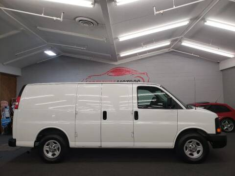 2004 Chevrolet Express Cargo for sale at Premium Motors in Villa Park IL