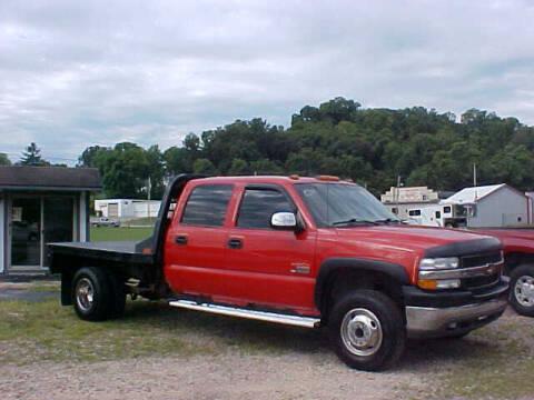 2001 Chevrolet Silverado 3500 for sale at Bates Auto & Truck Center in Zanesville OH