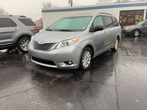 2013 Toyota Sienna for sale at Superior Automotive Group in Owensboro KY