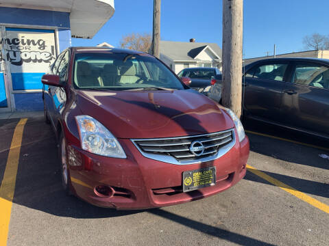 2010 Nissan Altima for sale at Ideal Cars in Hamilton OH