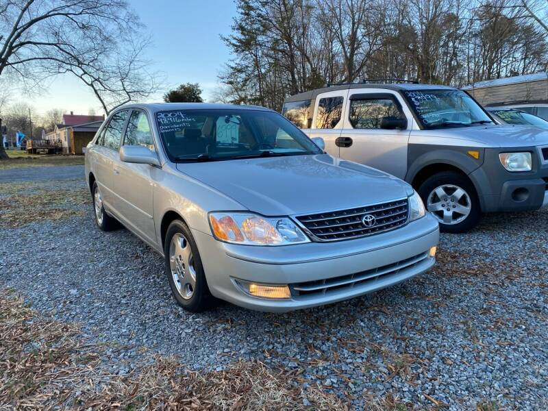 2004 Toyota Avalon for sale at Venable & Son Auto Sales in Walnut Cove NC