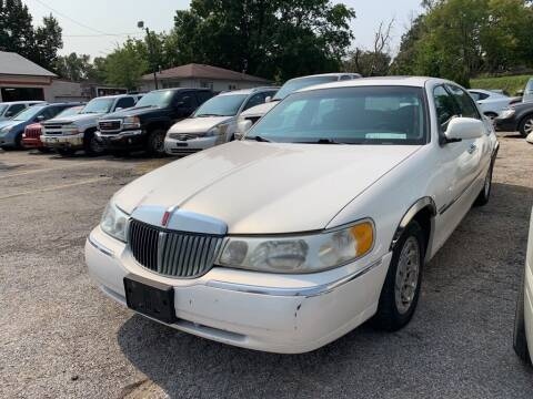 1998 Lincoln Town Car for sale at ALVAREZ AUTO SALES in Des Moines IA