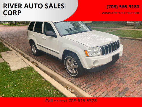 2005 Jeep Grand Cherokee for sale at RIVER AUTO SALES CORP in Maywood IL