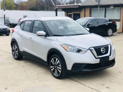 1900 Nissan Kicks for sale at Safeen Motors in Garland TX
