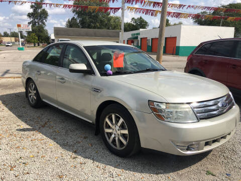 2008 Ford Taurus for sale at Antique Motors in Plymouth IN
