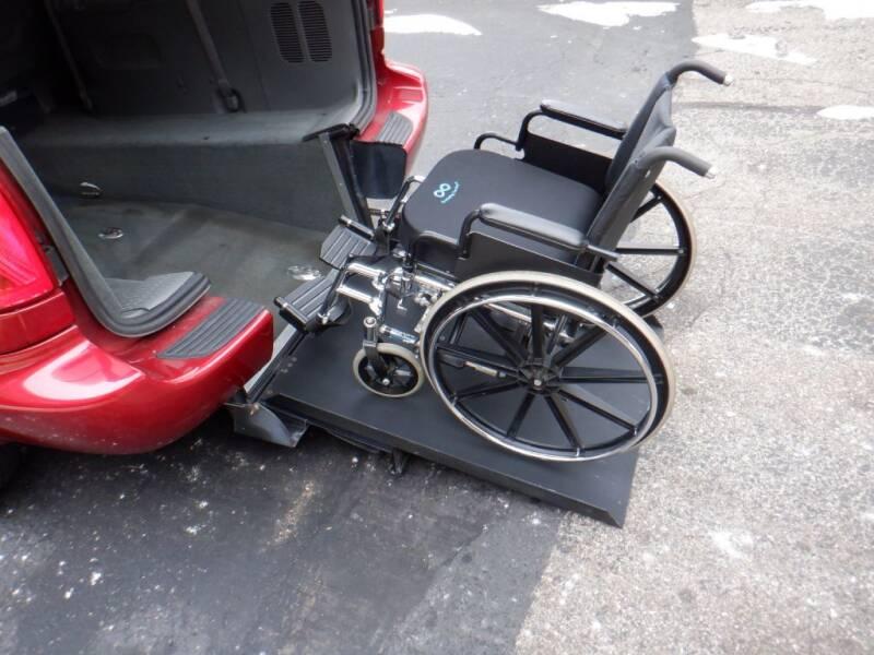 2005 Dodge Grand Caravan for sale at Mobility Motors LLC - A Wheelchair Van in Battle Creek MI