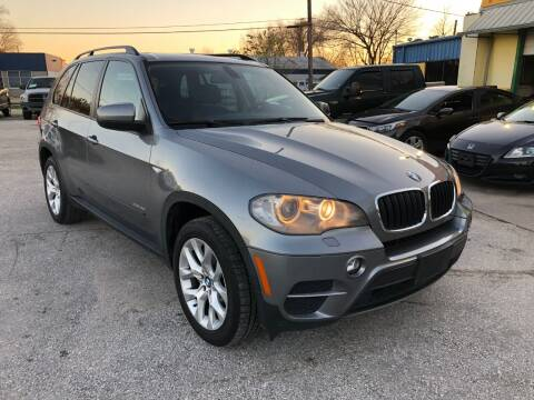2011 BMW X5 for sale at PREMIER MOTORS OF PEARLAND in Pearland TX