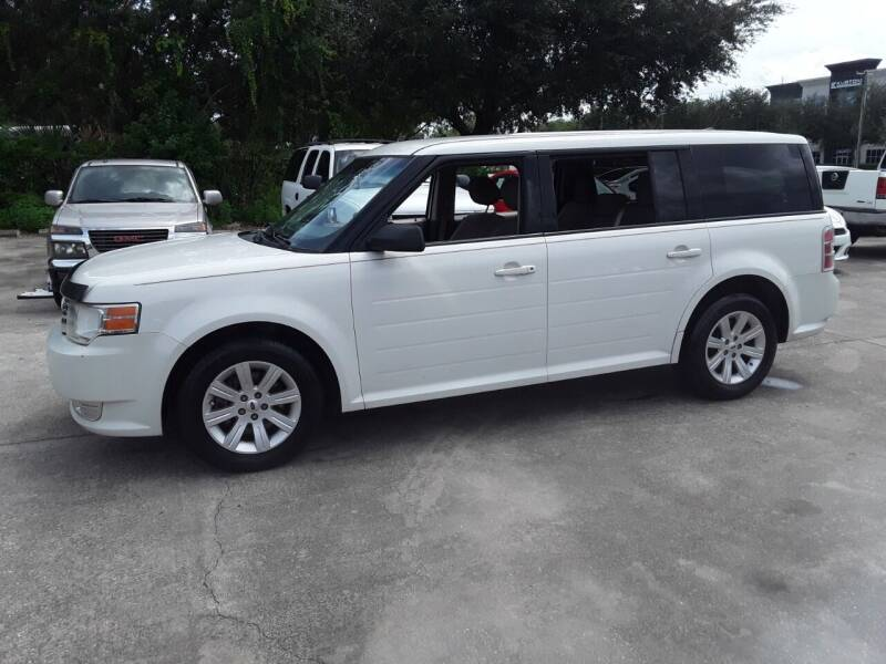 2012 Ford Flex for sale at FAMILY AUTO BROKERS in Longwood FL
