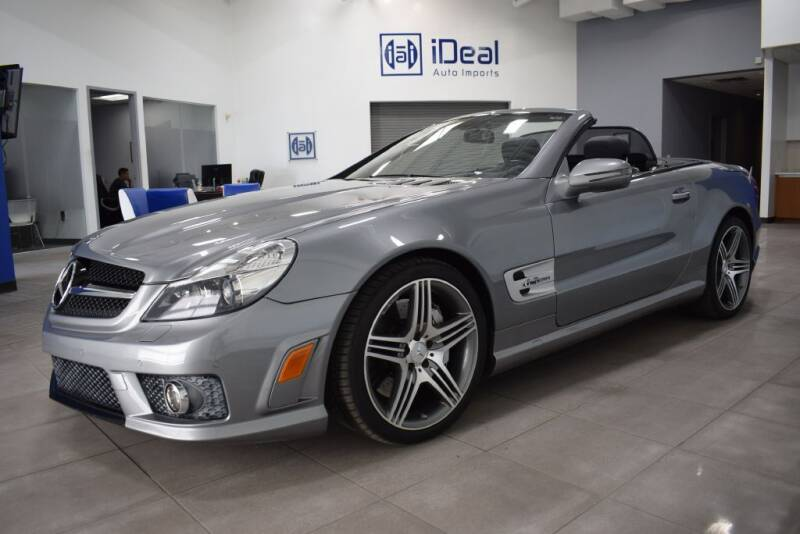 2011 Mercedes-Benz SL-Class for sale at iDeal Auto Imports in Eden Prairie MN