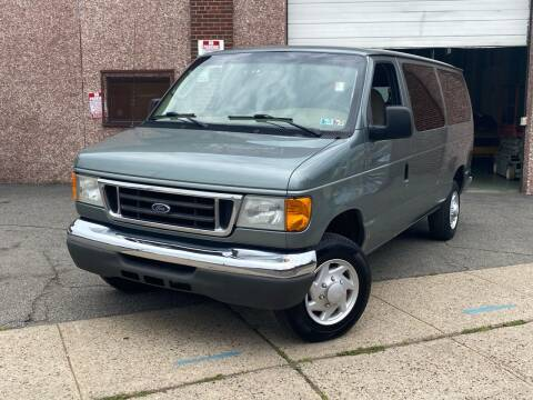 2006 Ford E-Series Wagon for sale at JMAC IMPORT AND EXPORT STORAGE WAREHOUSE in Bloomfield NJ