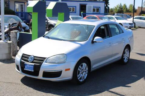 2007 Volkswagen Jetta for sale at BAYSIDE AUTO SALES in Everett WA