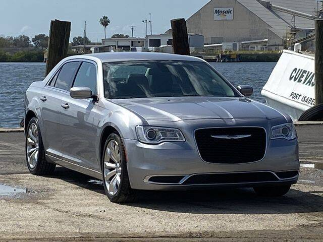 2016 Chrysler 300 for sale at Pioneers Auto Broker in Tampa FL