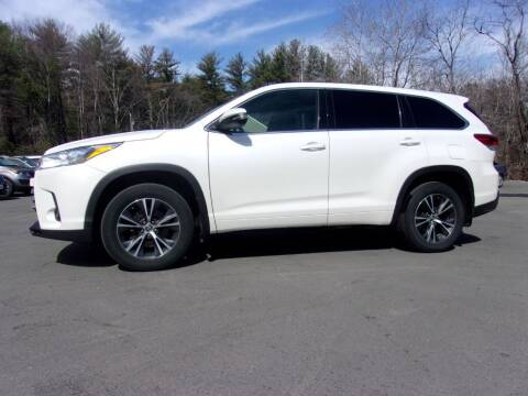2018 Toyota Highlander for sale at Mark's Discount Truck & Auto Sales in Londonderry NH