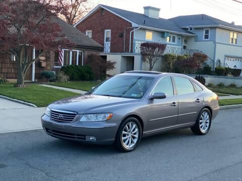 2006 Hyundai Azera for sale at Reis Motors LLC in Lawrence NY