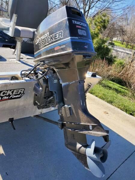 1992 Tracker Bass Tracker Tournament Tx 17 Bass Tracker Tournament Tx 17 - Ankeny IA