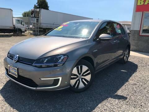 2016 Volkswagen e-Golf for sale at Yaktown Motors in Union Gap WA