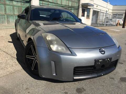 2005 Nissan 350Z for sale at Illinois Auto Sales in Paterson NJ
