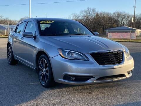 2014 Chrysler 200 for sale at Betten Baker Preowned Center in Twin Lake MI
