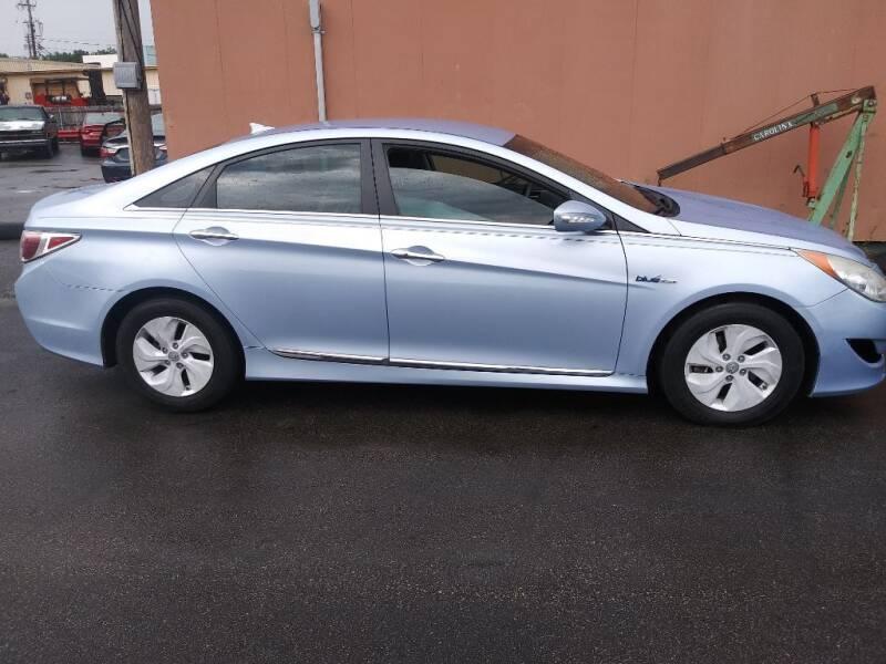 2013 Hyundai Sonata Hybrid for sale at ENZO AUTO in Parma OH