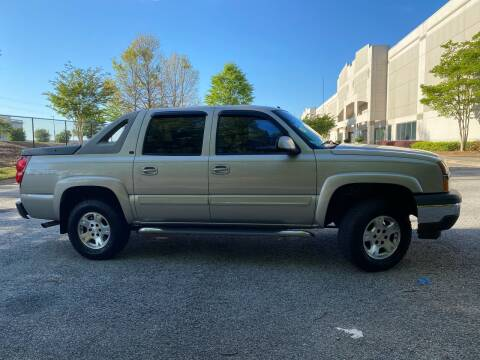 2006 Chevrolet Avalanche for sale at Paramount Autosport in Kennesaw GA