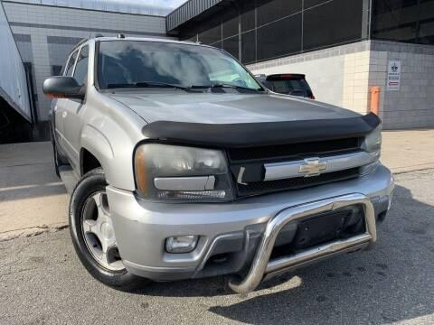 2005 Chevrolet TrailBlazer EXT for sale at Illinois Auto Sales in Paterson NJ