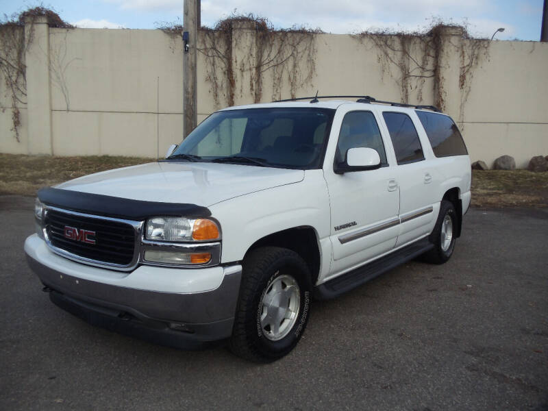 2005 GMC Yukon XL for sale at Metro Motor Sales in Minneapolis MN